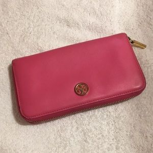 Pink Tory Burch wallet